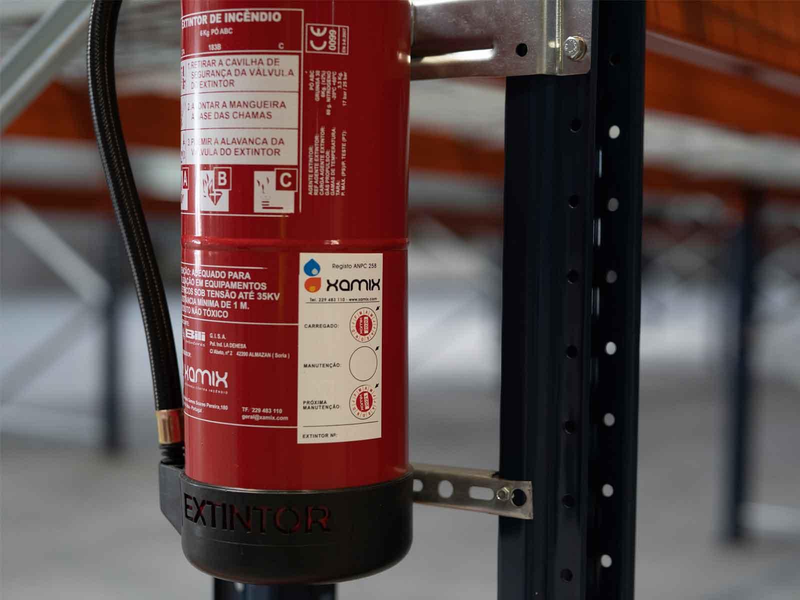 Manutenção-a-Extintores-e-instalações-de-Segurança---Xamix